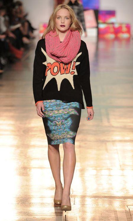 Primark vestido estampado con falda colorida