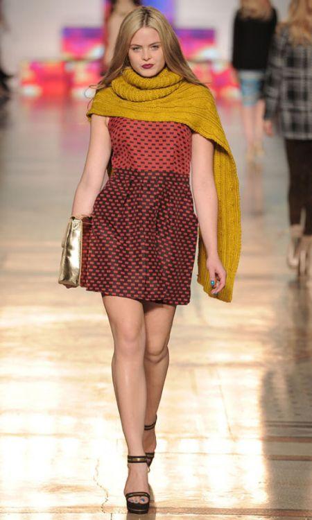 Diseño de vestido Primark en pasarela de Londres 2012