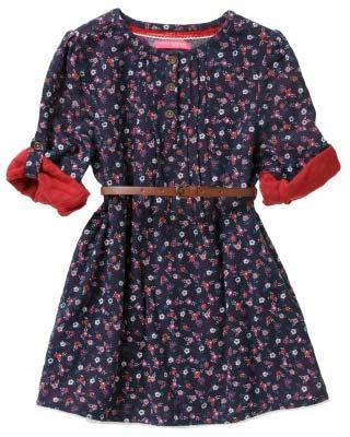 Niña catálogo de vestidos floreado