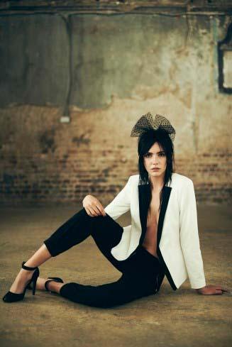 Pantalon y chaqueta en look ideal para mujer
