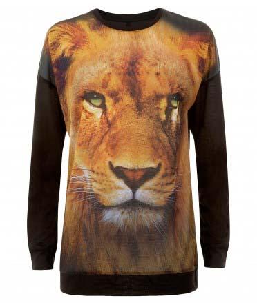 Una camiseta con estampado de león