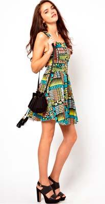 Colorido vestido de mujer, estampado