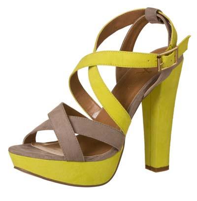 Sandalia amarilla de mujer