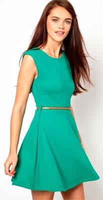 Vestido de mujer sin mangas verde y corto