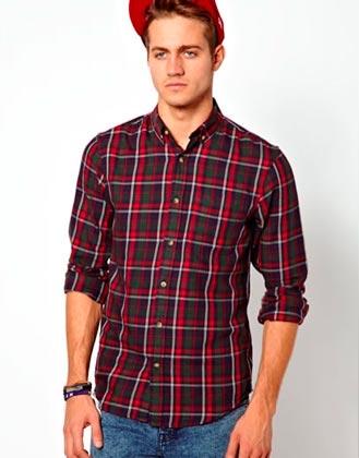 Elegante camisa de hombre a cuadros