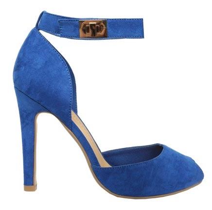 Zapato azul en terciopelo
