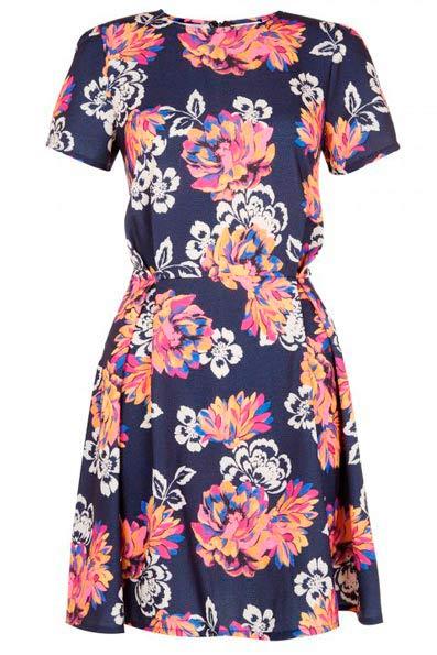 Elegante vestido corto de mujer estampado floral
