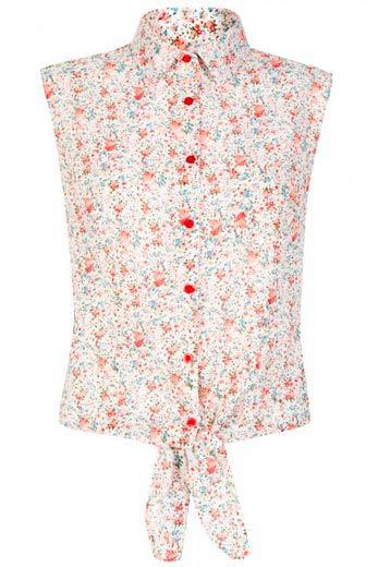 Elegante blusa floreada de mujer