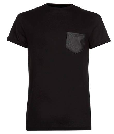Camiseta negra con bolsillo