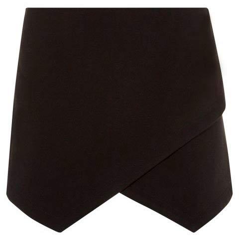 Falda negra corte irregular