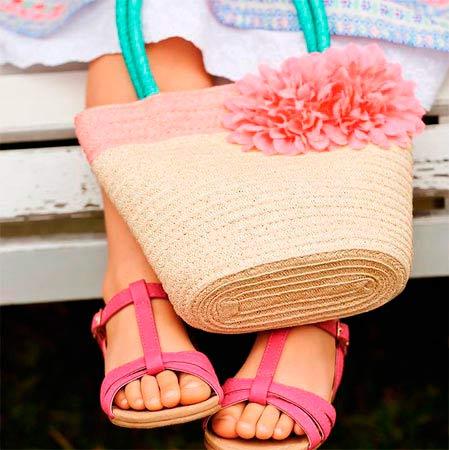 Sandalias y bolsos Primark