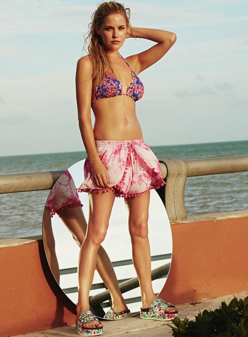 Primark: Bikini y sandalias floreadas