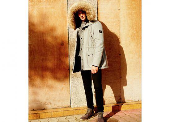 Chamarra con capucha suave