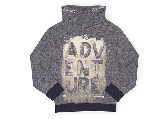 suéter gris para niño