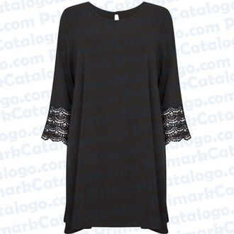 Vestido crepé negro con mangas de crochet