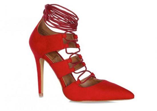 Zapatos rojos de tacón alto