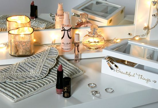 perfumes y maquillaje