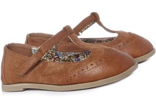 a4ad88012 Zapatos clásicos niña online color canela en tiendas Primark