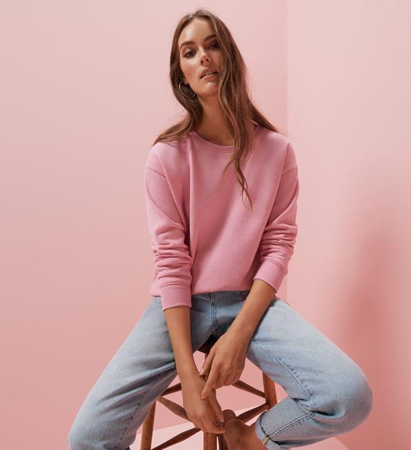 Primark jersey rosa y jean de mujer