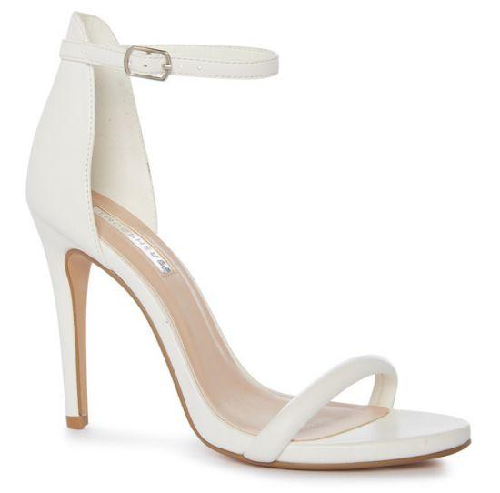 Zapato blanco de tacón