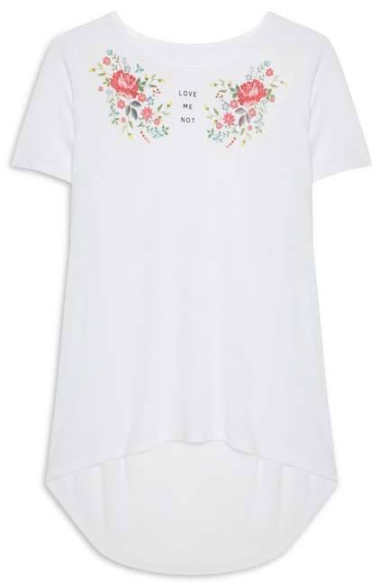 Camiseta con estampados hermosos