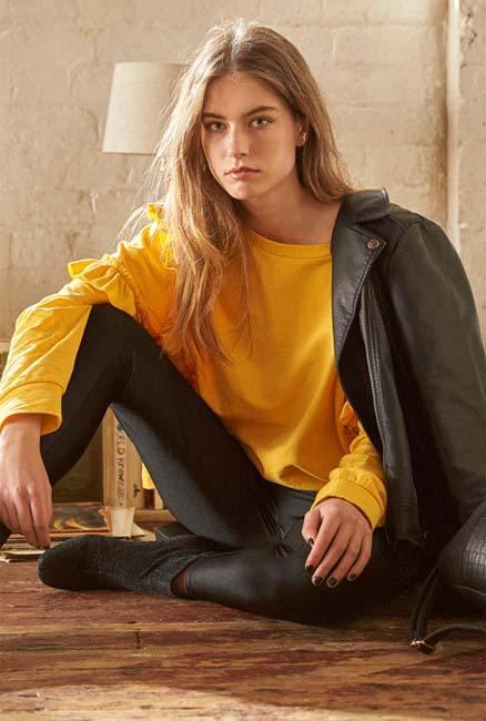 Blusa en amarillo