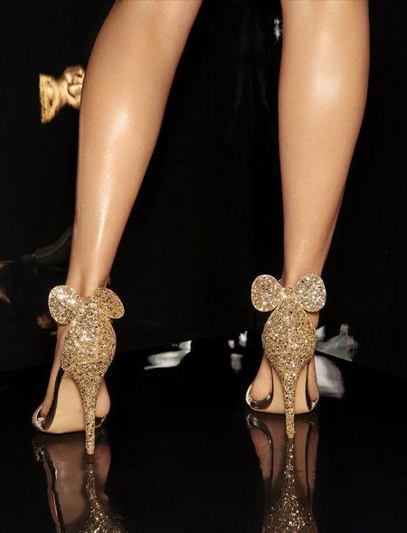 Zapatos dorados cerrados