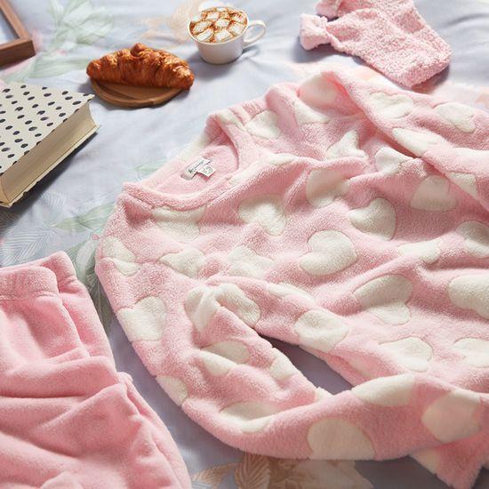 pijamas con corazones en caja de regalo primark
