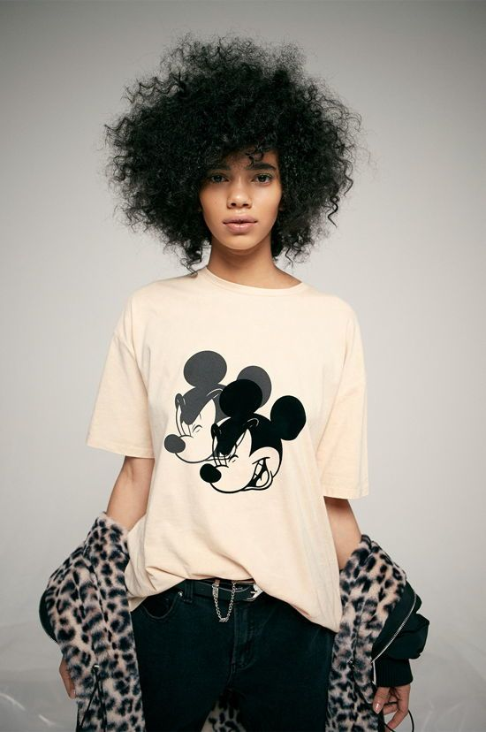 camiseta de mujer mickey mouse color melocoton