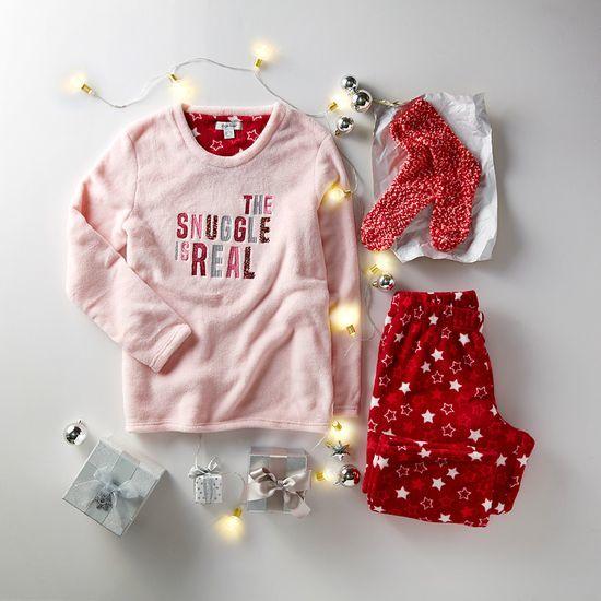 pijama de mujer con estrella rosa y rojo