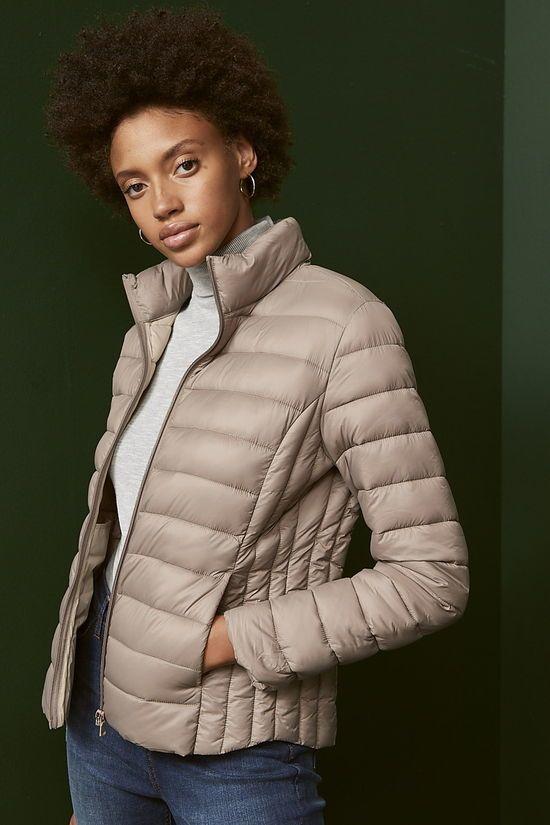 chaqueta acolchada color piedra