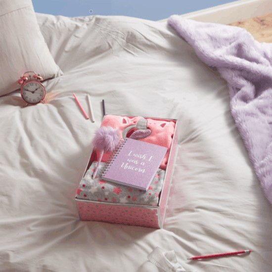 pijama de unicornio para mujer en caja