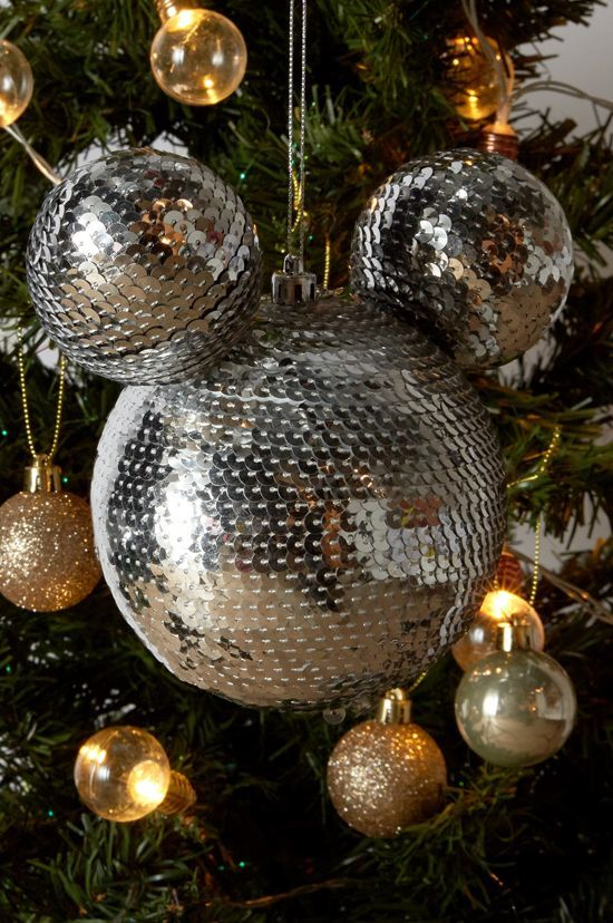 bola de navidad primark extragrande con lentejuelas