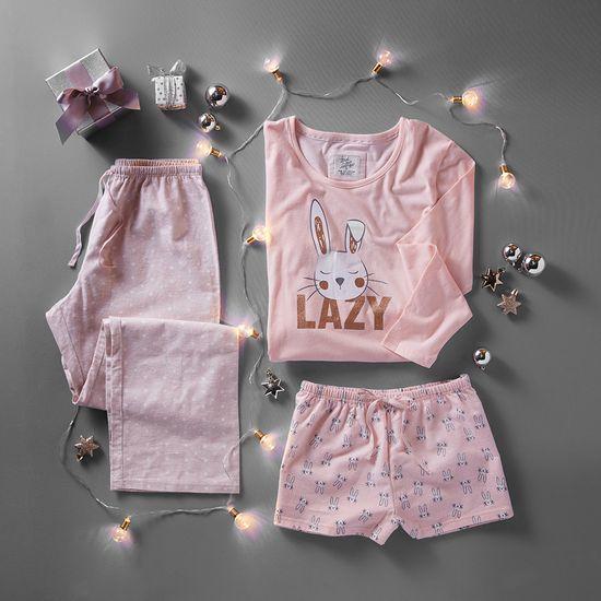 pijama rosa con conejo en caja de regalo