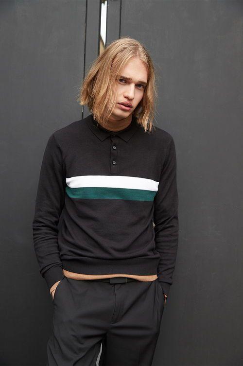 jersey de cuello alto negro de hombre