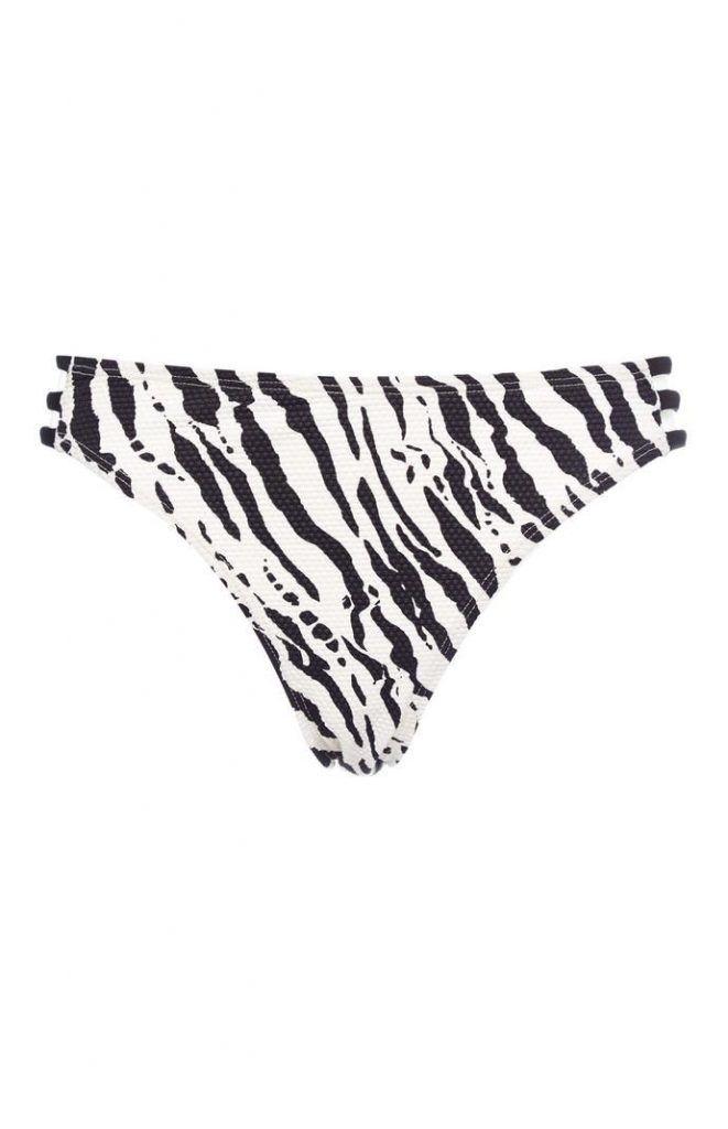 Braguita de bikini Primark con estampado de cebra en blanco y negro