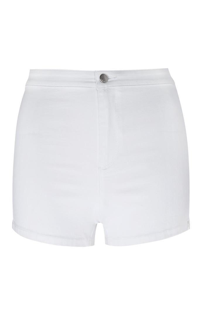 Pantalón corto Primark de talle alto y perneras ceñidas en blanco