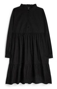 Vestido negro de manga larga de popelina