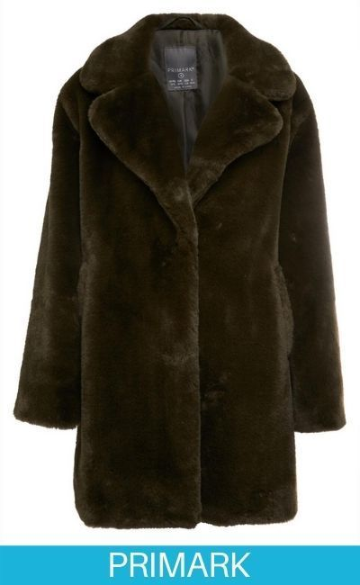 Abrigo negro acolchado de pelo sintético con capucha Primark