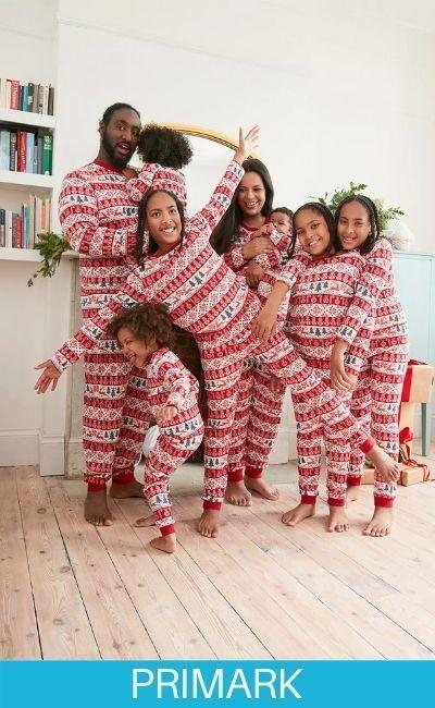 Familia con estilo en pijamas primark