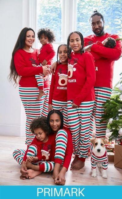 Familia en pijamas de reno Pirmark