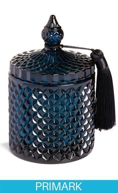 Vela azul oscuro con tapa con borla Primark
