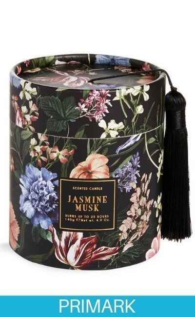 Caja negra con estampado floral con vela aromática «Jasmine Musk» Primark